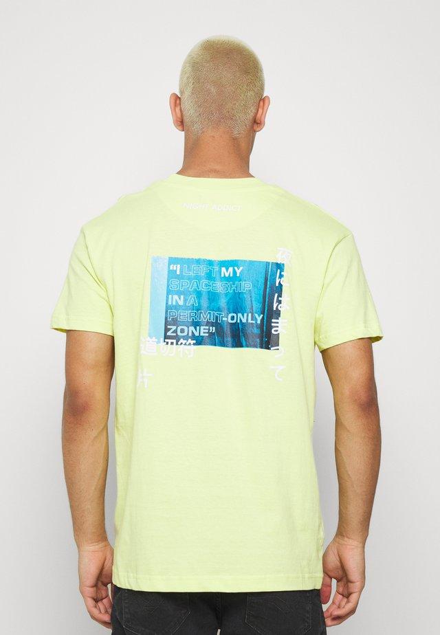 PERMIT - Print T-shirt - neon green