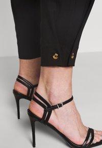 JDY - JDYPEN PANT  - Pantalones - black - 4