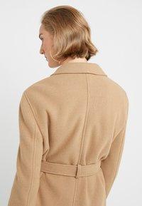 STUDIO ID - JENNIFER COAT - Zimní kabát - camel - 3