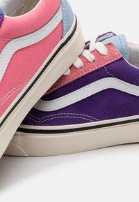 Vans - ANAHEIM OLD SKOOL 36 DX UNISEX - Scarpe skate - light blue/purple/pink - 7