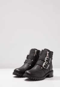 KIOMI - Cowboystøvletter - black - 4