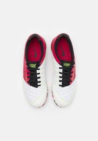Nike Performance - LUNARGATO II - Halové fotbalové kopačky - cardinal red/crimson tint/black/white - 3