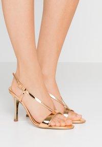 Furla - OCCASION - Sandaler med høye hæler - oro - 0