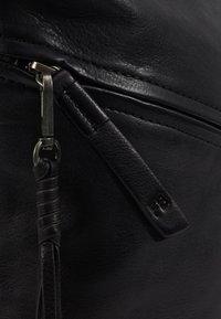 FREDsBRUDER - Across body bag - black - 6