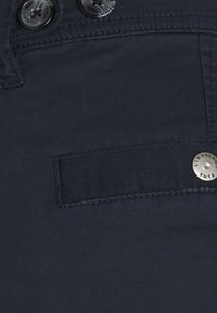 Lindbergh - PANTS - Cargo trousers - navy - 7