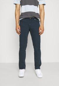 Wrangler - LARSTON - Jeans Skinny Fit - navy - 0