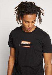 Diesel - DIEGO - T-shirt con stampa - black - 3