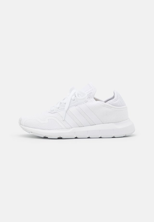SWIFT RUN X UNISEX - Trainers - footwear white