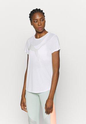 EVOSTRIPE TEE - T-Shirt print - puma white