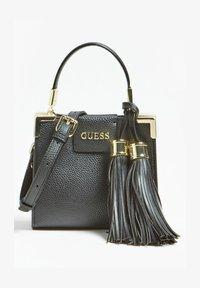Guess - ALE QUASTEN - Handbag - schwarz - 1