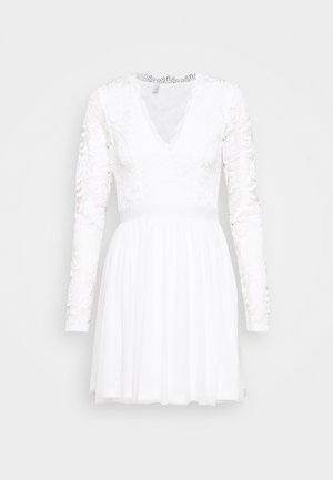SCALLOPED DRESS - Cocktail dress / Party dress - white