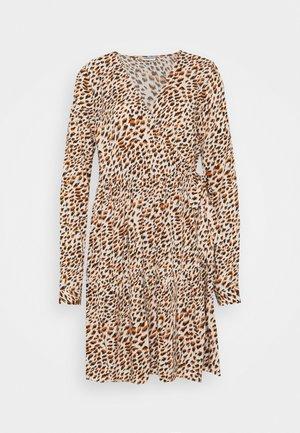 NMFIONA WRAP DRESS - Day dress - sugar almond
