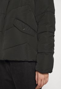ONLY - ONLROONA QUILTED JACKET - Winter jacket - black - 7