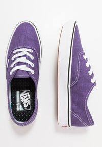Vans - COMFYCUSH AUTHENTIC UNISEX - Sneakers - heliotrope - 1