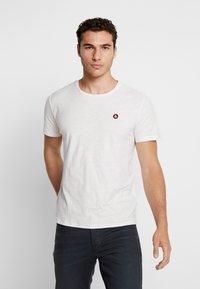 Jack & Jones - JORSTRUC TEE CREW NECK - Basic T-shirt - cloud dancer - 0