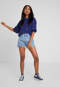 Levi's® - ISA CREW - Sweatshirt - sodalite blue - 1