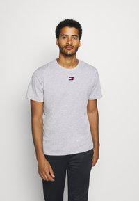Tommy Hilfiger - LOGO TEE - Sports shirt - grey - 0