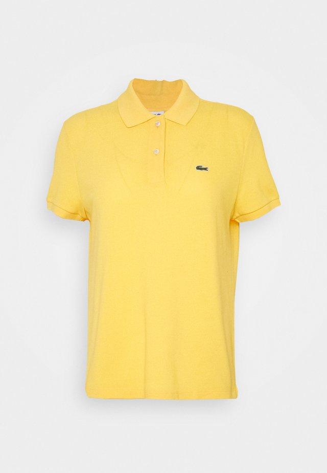 CLASSIC FIT DAMEN - Polo shirt - yellow