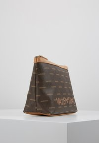 Valentino Bags - LIUTO - Toiletti-/meikkilaukku - brown/multi - 4
