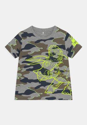 NMMJURASSIC PATRIK - Print T-shirt - grey melange