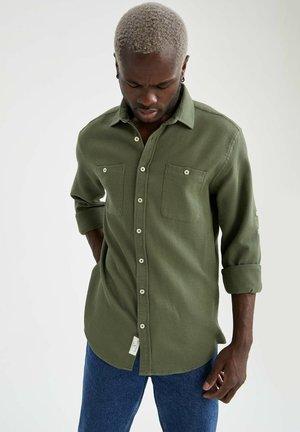 MODERN FIT - Shirt - khaki