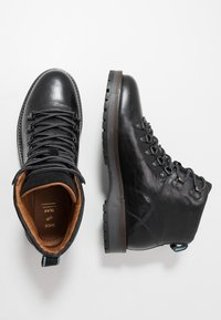 Shoe The Bear - LAWRENCE - Lace-up ankle boots - black - 1