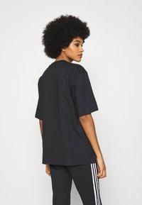 adidas Originals - TEE - T-shirts - black - 2