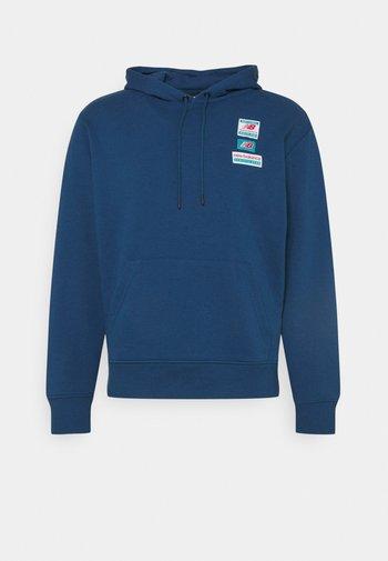ESSENTIALS FIELD DAY HOODIE - Sweatshirt - captain blue