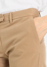 Tommy Hilfiger - MARIN - Chinos - classic camel - 3