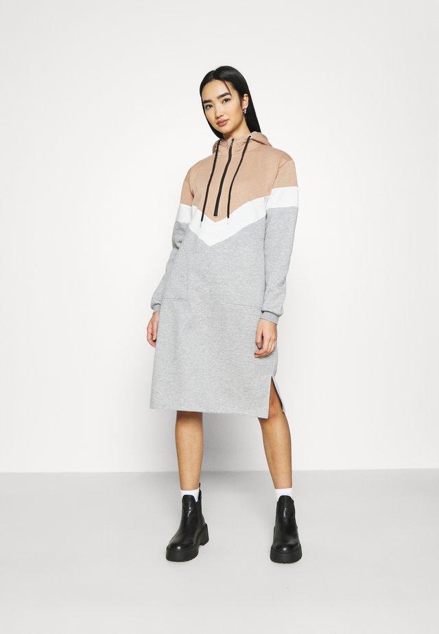 NMMELINA DRESS - Kjole - praline