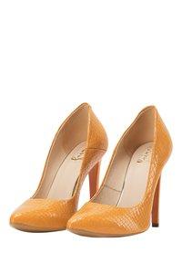 faina - High heels - orange - 2