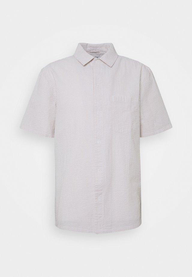 BARRY STRIPED SHIRT - Shirt - beige/white