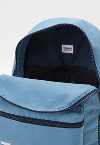 Tommy Jeans - TJM CAMPUS  BACKPACK GRAPHIC - Rucksack - blue - 2