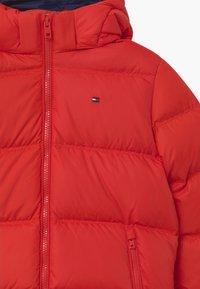 Tommy Hilfiger - ESSENTIAL  - Down jacket - red - 4