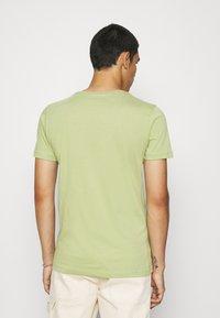 KnowledgeCotton Apparel - ALDER TEE - Basic T-shirt - sage light dustygreen - 2