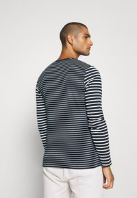 Jack & Jones - JCOMARLO CREW - Long sleeved top - sky captain - 2