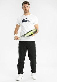 Lacoste Sport - BIG LOGO - T-shirt med print - white/navy blue - 1