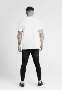 SIKSILK - SQUARE HEM TEE - Basic T-shirt - white - 2