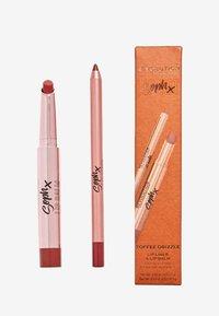 Makeup Revolution - REVOLUTION X SOPH LIP KIT - Makeup set - toffee drizzle - 1