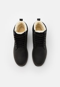 Quiksilver - MISSION BOOT - Zimní obuv - solid black - 3