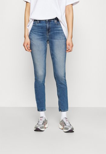 MID RISE SKINNY ANKLE