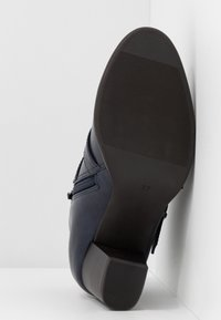 Wallis Wide Fit - WIDE FIT WREN - Ankle boot - navy - 6