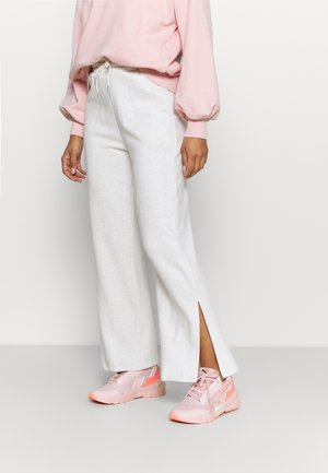 HER WIDE PANTS - Träningsbyxor - puma white heather