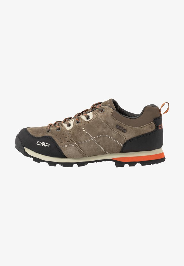 ALCOR LOW TREKKING SHOE WP - Trekingové boty - wood