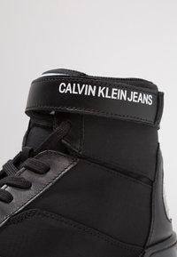 Calvin Klein Jeans - NIGEL - Sneakers high - black - 5