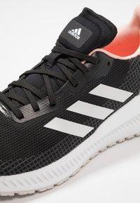adidas Performance - SOLAR BLAZE - Juoksukenkä/neutraalit - core black/grey one/glow pink - 5