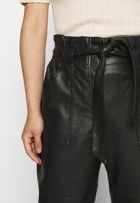 ONLY Petite - ONLDIONNE PANT  - Broek - black - 5