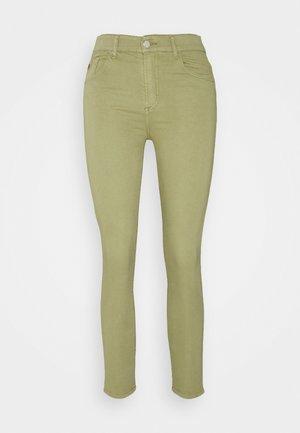 CELIA - Skinny džíny - olive grey
