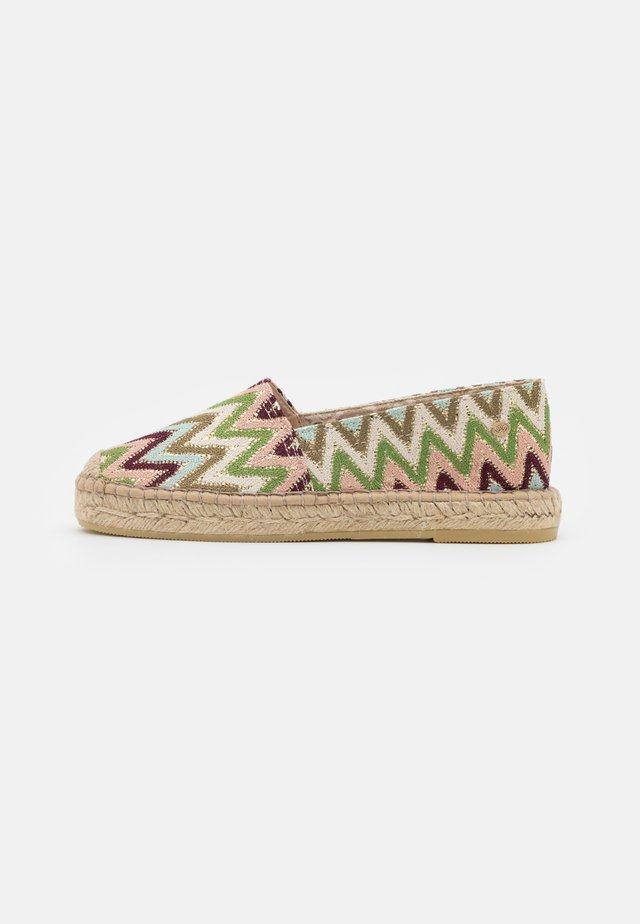 Espadrilles - green color blocking