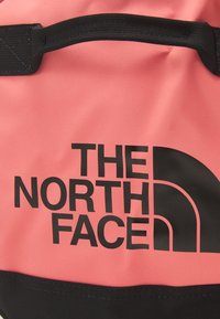 The North Face - BASE CAMP DUFFEL  S UNISEX - Holdall - faded rose/black - 5